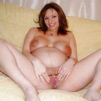 Rencontre libertine enceinte à gros seins